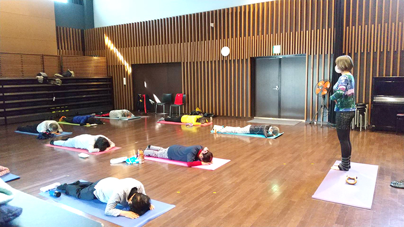 転ばぬ先の体幹トレーニング