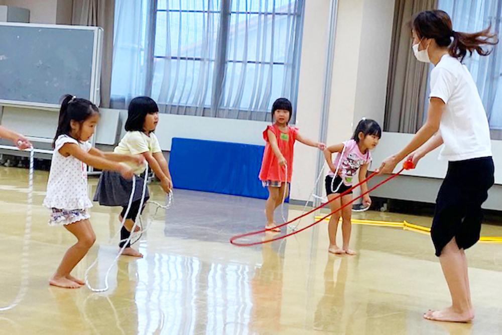 幼児新体操教室(リズム新体操)