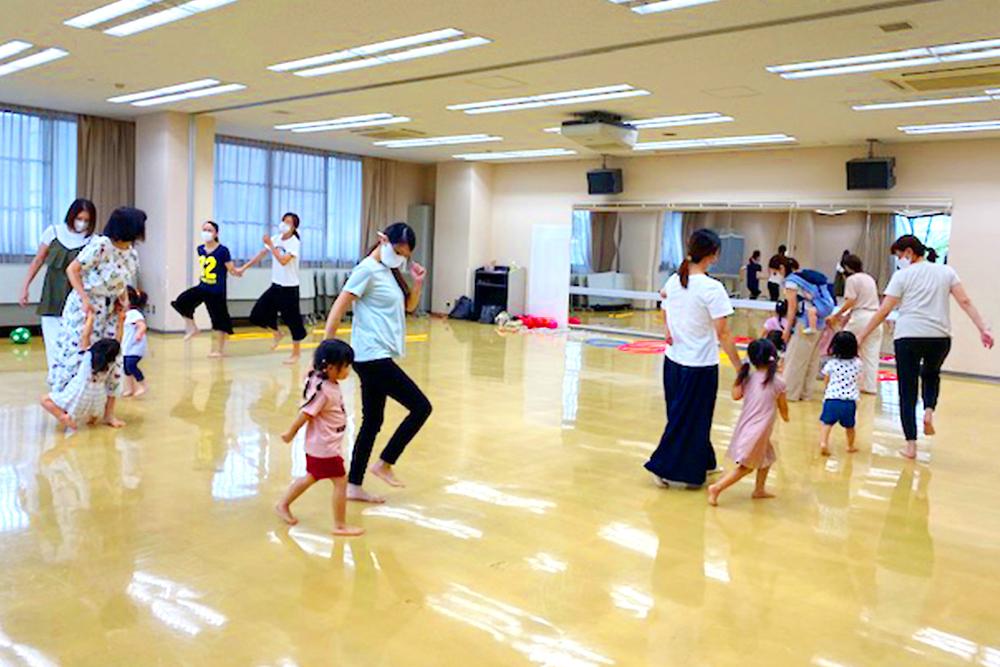 幼児新体操教室(親子リズム体操)